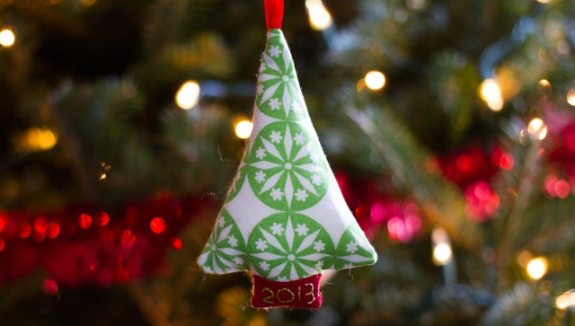 pepperknit | tree ornament