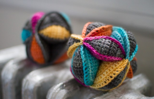 pepperknit | crocheted amish puzzle balls